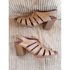 Steve Madden Tan Leather Baara Sandal Heels